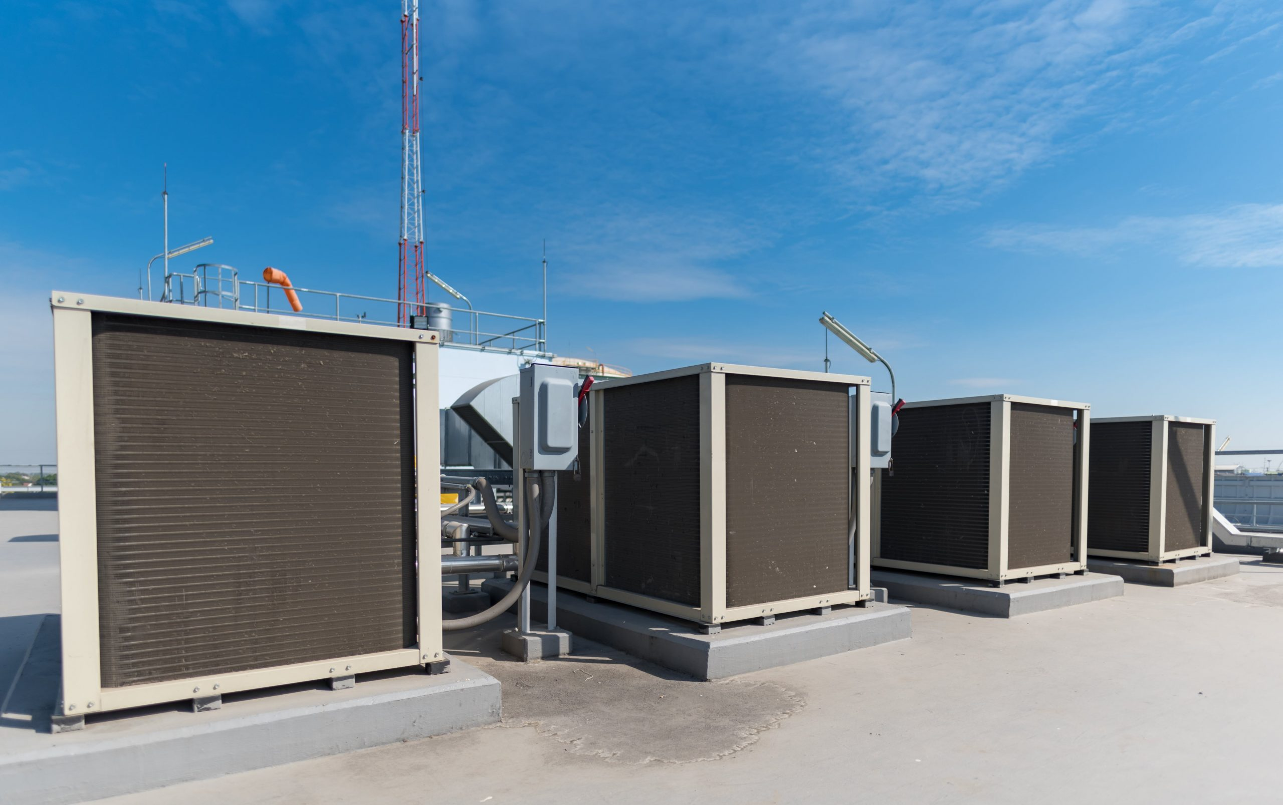 How does a rooftop HVAC unit work?